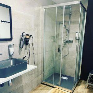 douche après la séance chez trydan studio